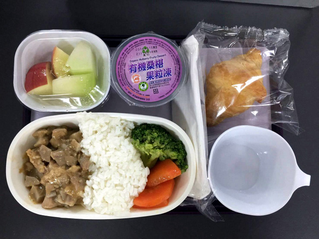 里仁果粒凍在航空餐